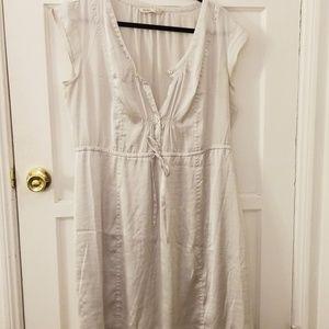 White satiny Old Navy dress size L